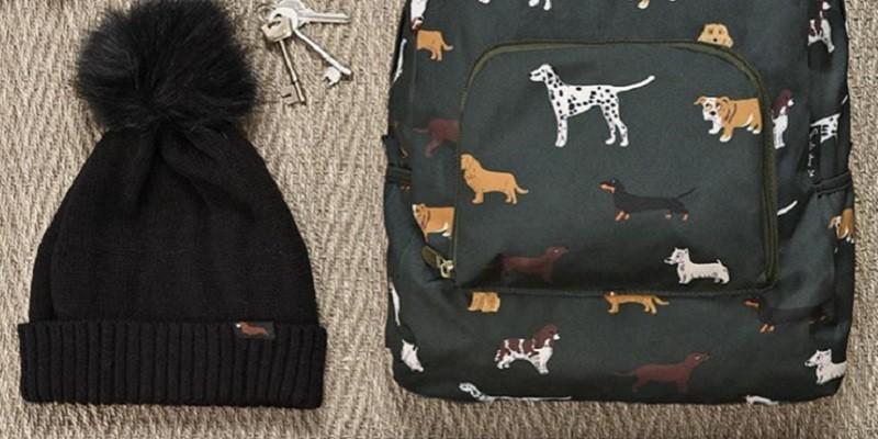 Schals, Pyjamas, Schürzen, Decken, Schmuck mit Hunde-/Katzenmotiven